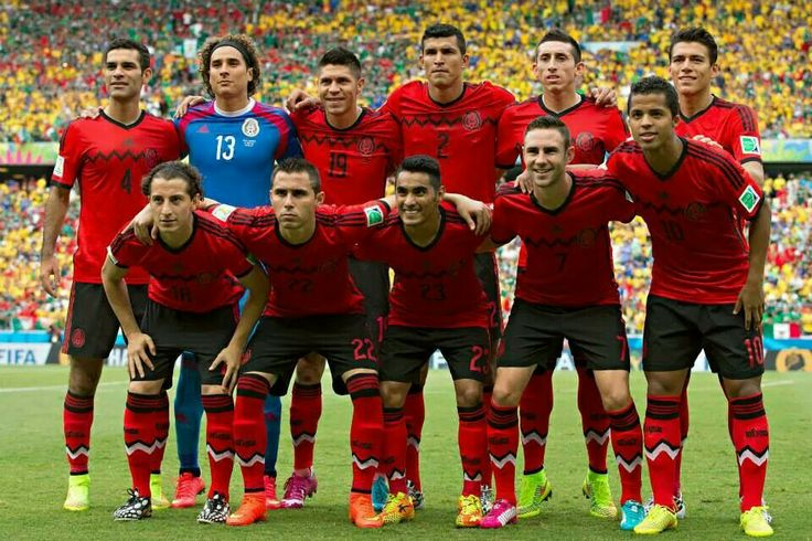 Seleccion mexicana. ♥  vi mi primer partido de la seleccion mexicana cuando estaba chiquita en 2002, y me enamore del deporte.