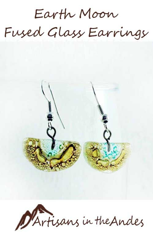 You will fall in love with these sweet handcrafted earrings, direct from Ecuador. Richly and gently colored in earthy tones, you will reach for these earrings often to go with all your neutral, casual outfits. #fashionaccessories #shoppingonline #shoppingtime #shopping