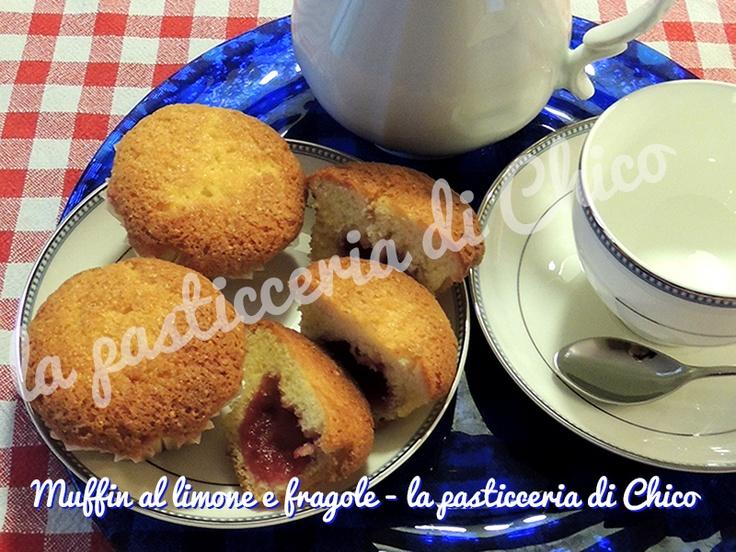 Muffin al limone con cuore di fragola