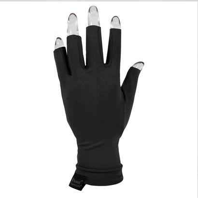Luva Invel Actiive Glove Curta - Detalhe anatômico entre os dedos, ideal para esporte, e atividades que requerem movimentação das mãos e dedos. As dores nos punhos podem acontecer com qualquer pessoa, tornando-se mais frequente naquela que realiza algum tipo de atividade repetitiva.