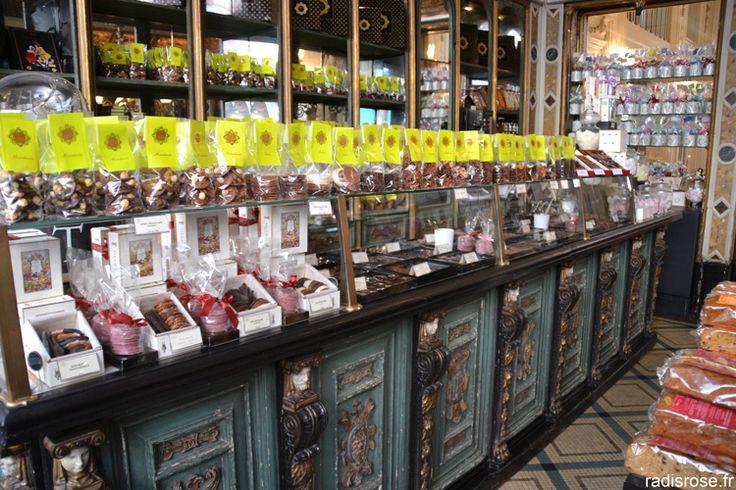 Pâtisserie et confiserie Meert. Week end à Lille par radis rose http://radisrose.fr/week-end-a-lille/ #lille #meert #patisserie #confiserie