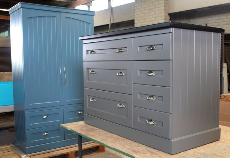 Pantry cupboard in Blue and Drawers in Grey