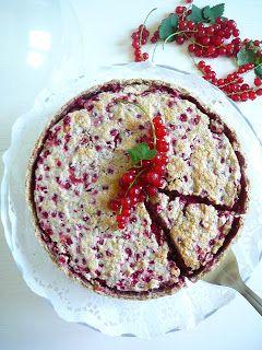 Rybízový koláč se sněhem a vlašskými ořechy