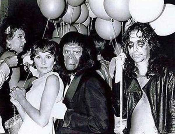 Jean Stapleton, Jean Simmons, Roddy McDowall and Alice Cooper at the Free Shakespeare Festival at the Hollywood Bowl, 1973