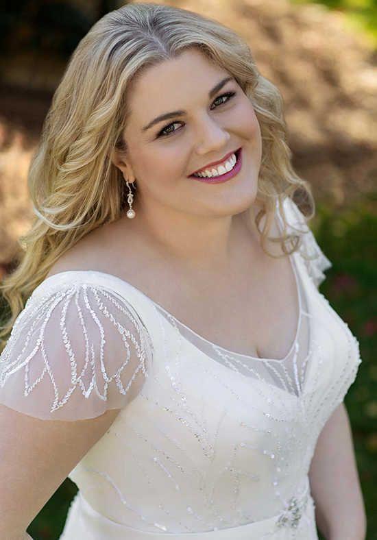 Roz la Kelin - Glamour plus Collection Lacerta 5942T Wedding Dress photo