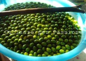 le olive di San Francesco in acqua e soda caustica