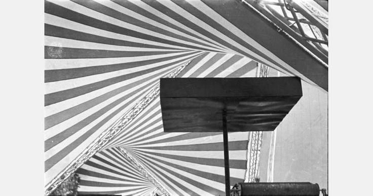 Oskar Hansen, współautor: Lech Tomaszewski,  Pawilon Polski, Międzynarodowe Targi Izmirze, struktura HT, 1955, fot. Muzeum ASP w Warszawie