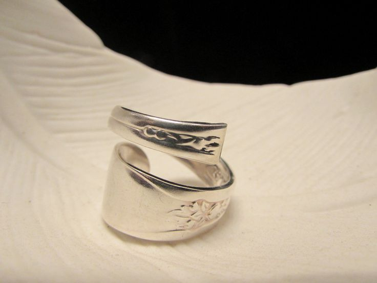 Bypass spoon ring. Spoon rings have centuries of history. Start yours... by TheCraftyVision on Etsy