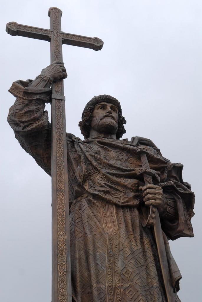 Памятник Владимиру Великому Павел Петров, CC BY-SA 3.0