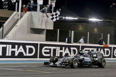 Paul English Formula 1: Rosberg ends the season in style