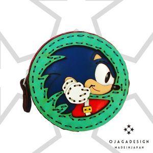 OJAGA DESIGN ソニック・ザ・ヘッジホッグコインケース / ANIPPON  OJAGA DESIGN / ソニック・ザ・ヘッジホッグのコラボコインケースです。 OJAGA DESIGN制作による日本製のコインケースです。 ソニックがレザーで見事に表現されています。  Made in Japan