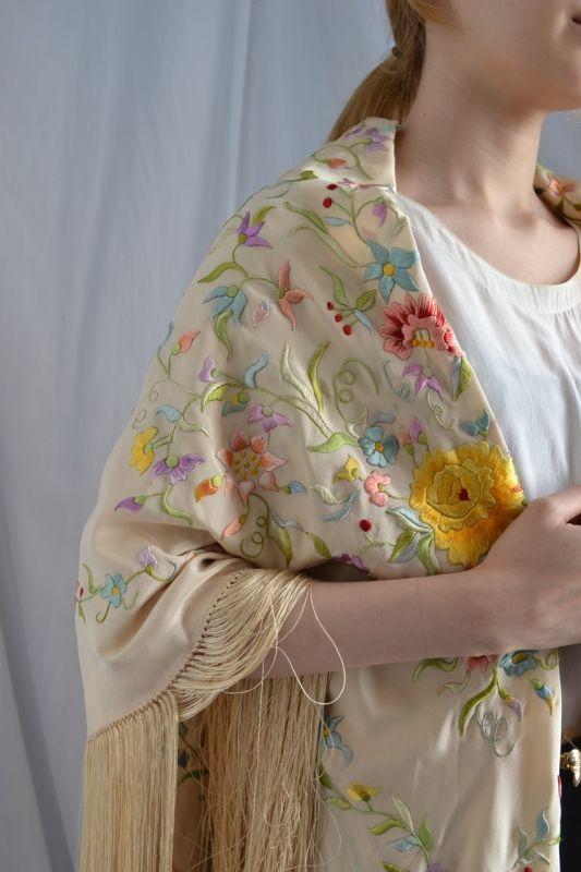 古着ワンピースやヴィンテージワンピースなどヨー ロッパ古着の通販は【ララ ヴィンテージ】大人の為の アンティーク古着、ヴィンテージ古着を 各種豊富に取り揃えております。