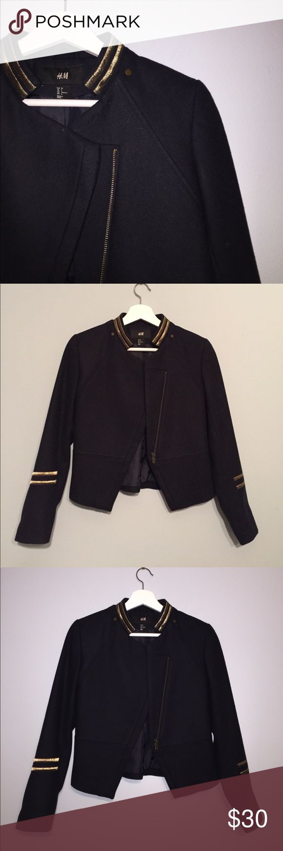 H&M Military Inspired Jacket This gold and navy zip up military inspired jacket by H&M is incredible. Lines and structure for days! It's equal parts casual and commanding. Wear this over a sweet little dress or use it to finish off a boot/jean outfit. Sz 6. Fits like a small/med. H&M Jackets & Coats