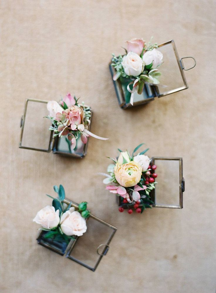 boutonnières (Jose Villa // Easton Events)