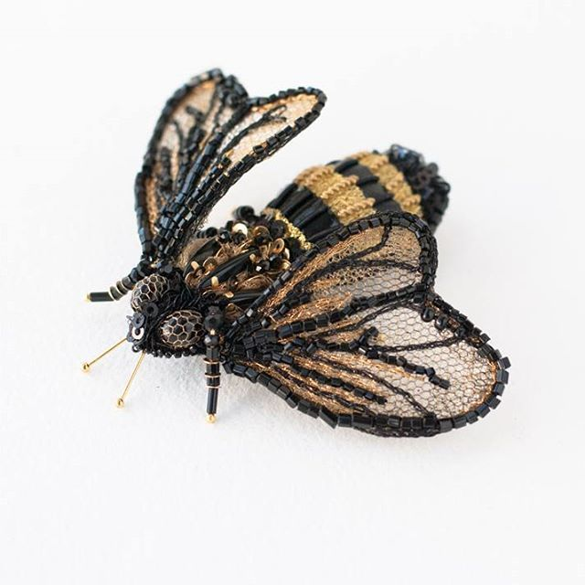 Bumblebee #brooches by #eveanders gently sting with their beauty right in the heart!  Брошки-пчелки от #eveanders нежно жалят своей красотой в самое сердце! #jewelry #accessories #embroidery #insectart #insectaccessories #goldwork #coutureembroidery #shopping #instafashion #love #beautiful #instagood #design #styles #shopping #tallinn