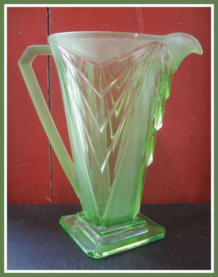 Pyramid Green Water Pitcher Carnival Indiana Art Deco Depression Glass