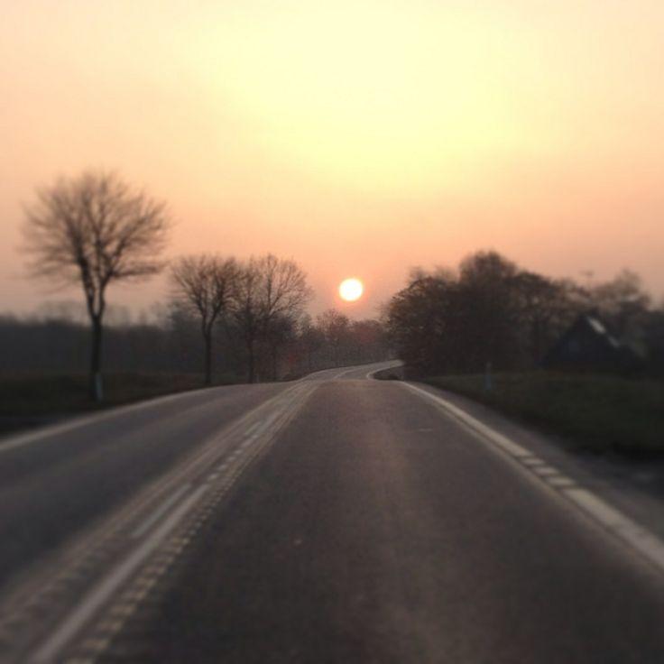 Solen står op på Rønnevejen nær Nylars