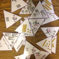 Voici un jeu proposé en ateliers mathématiques ou en APC. Edit du 1 février : 5 nouvelles planches de nombres - voir ci-dessous Les vaches dans l'hexagone. On...