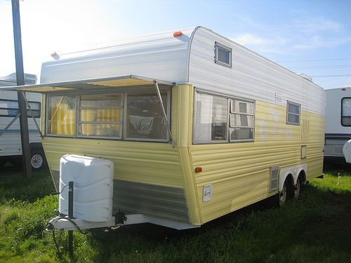 Vintage RV: Restored 1971 Layton Travel Trailer