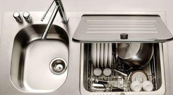 Platzsparende Ideen Fur Kleine Kuchen Mit Eingebauter Spulmaschine Von Briva Platzsparende Kuche Kleine Kuche Spulmaschine