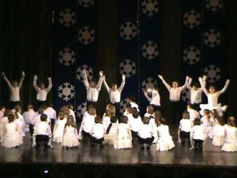 Hópelyhek tánca - 2.évfolyam - YouTube