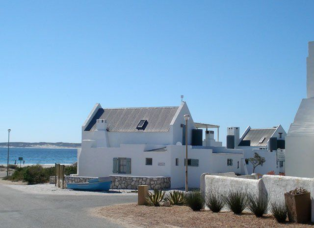 Strandlopertjie - With its whitewashed fisherman's cottages that lie all along the unique Paternoster beaches, Strandlopertjie is home in one of the most attractive villages along the West Coast, just 150 km from Cape Town.These ... #weekendgetaways #paternoster #southafrica