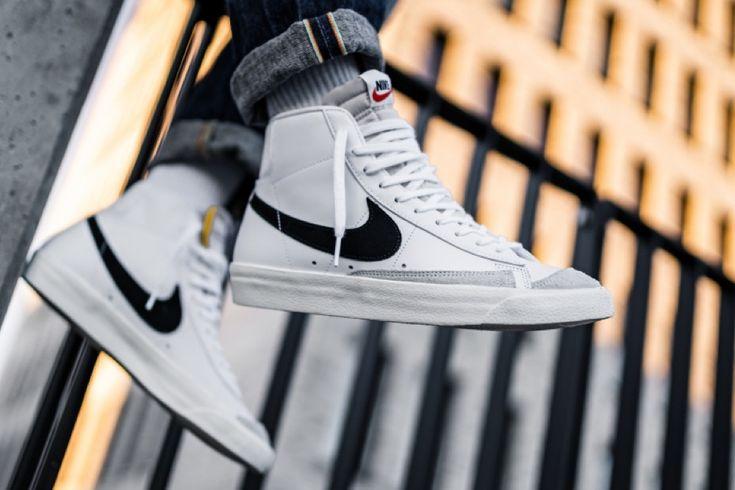 Nike Blazer Mid 77 Vintage White Black   Nike blazer, Nike blazer ...