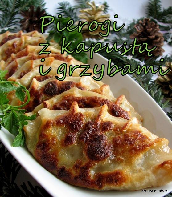 Smaczna Pyza: Pierogi z kapustą i grzybami - http://smacznapyza.blogspot.com/2012/12/pierogi-z-kapusta-i-grzybami.html