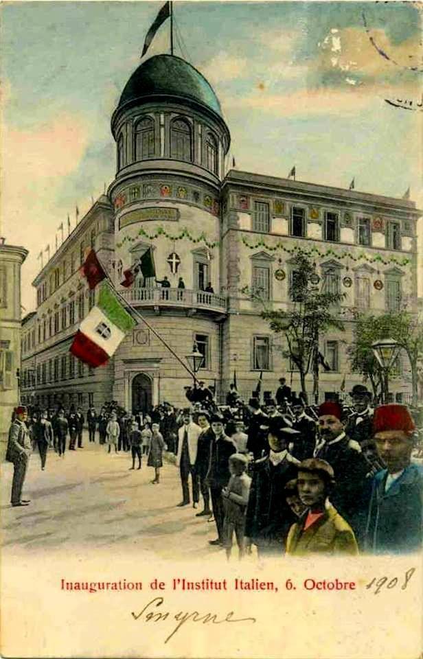 İzmir Italyan Okulu (Şimdiki DEÜ rektörlüğünün önündeydi)