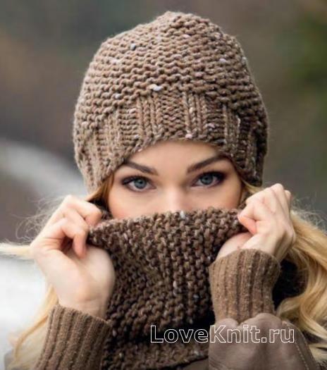Спицами женская шапка и шарф-снуд простым узором фото к описанию