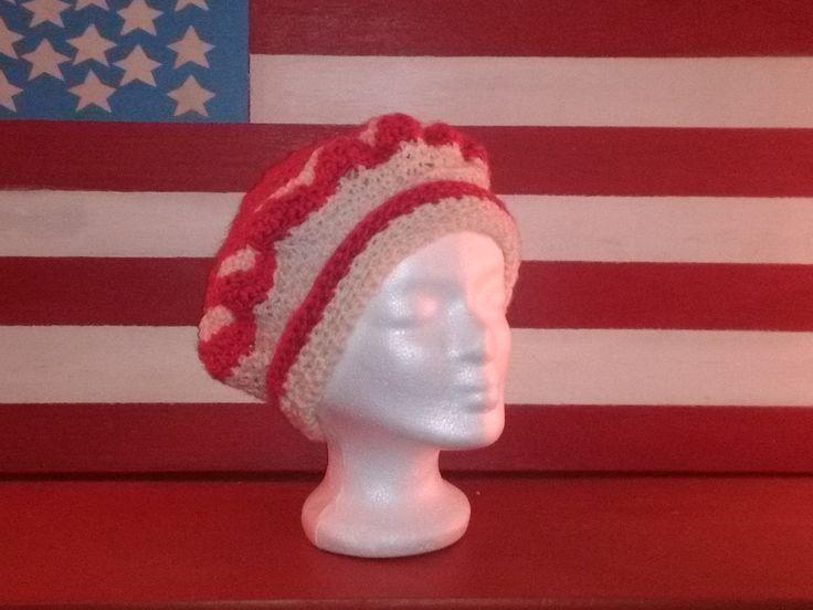 bonnet bérêts au crochet fil à tricoter rose foncé et écru taille adulte : Chapeau, bonnet par chely-s-creation