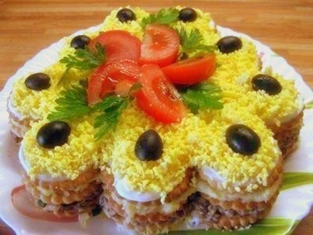 Закуска «Торт з крекерів»