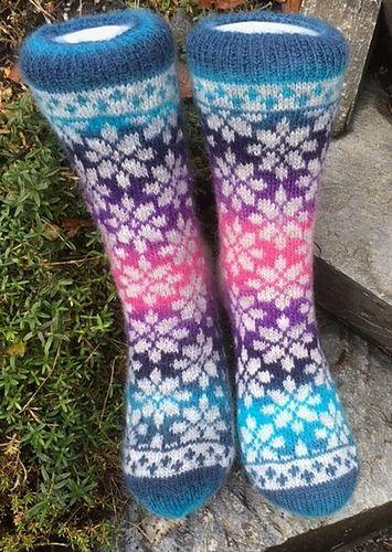 Ravelry: Flower Garden Sock - Blomsterhage sokken pattern by Aud Bergo