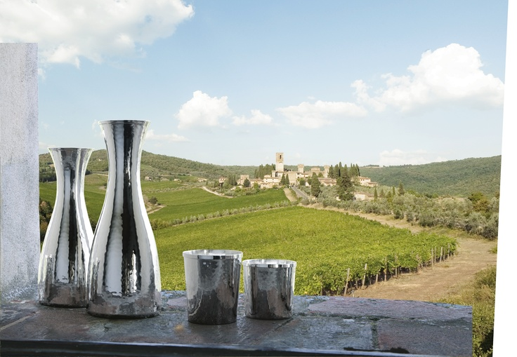 WE LOVE DRINKING IN FRONT OF THIS FANTASTIC VIEW! Tuscany, Italy.