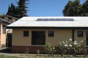 Liceo Agrícola  01/2013, San Carlos, Chile   Potencia: 1.2 kWp  Producción de energía: 1'986 kWh/año   Ahorro de CO2: 0.8 t/año    Tipo de instalación: Sobre el tejado, Sistema aislado