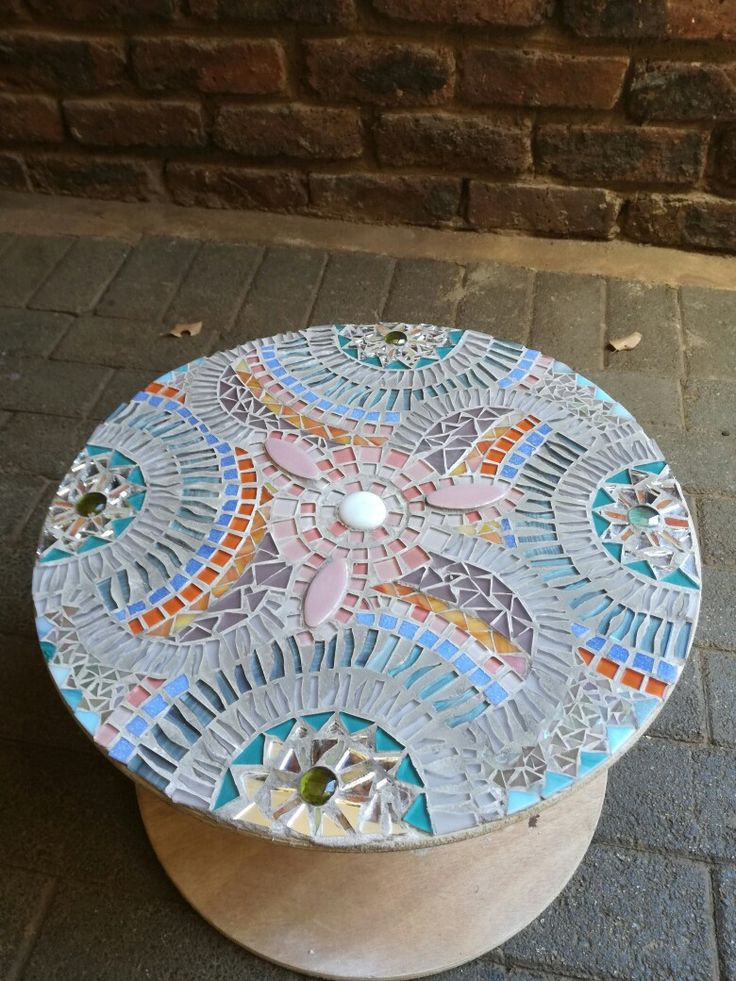 Cable reel mosaic table Cool and calm feel for your patio