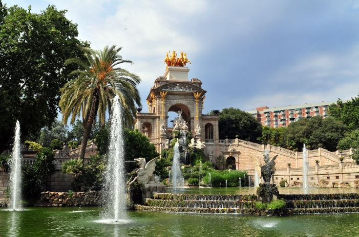 Enjoy one of  the main reference point of the green areas in Barcelona! #ParkCiutadella in not an ordinary #park!It was built during the second half of the nineteenth century and for many years it was the only park in the city.It is the first one of those that exist today which was designed especially as a public park.There you can find endless possibilities to enjoy your day! # barcleona #activities #attractions #park