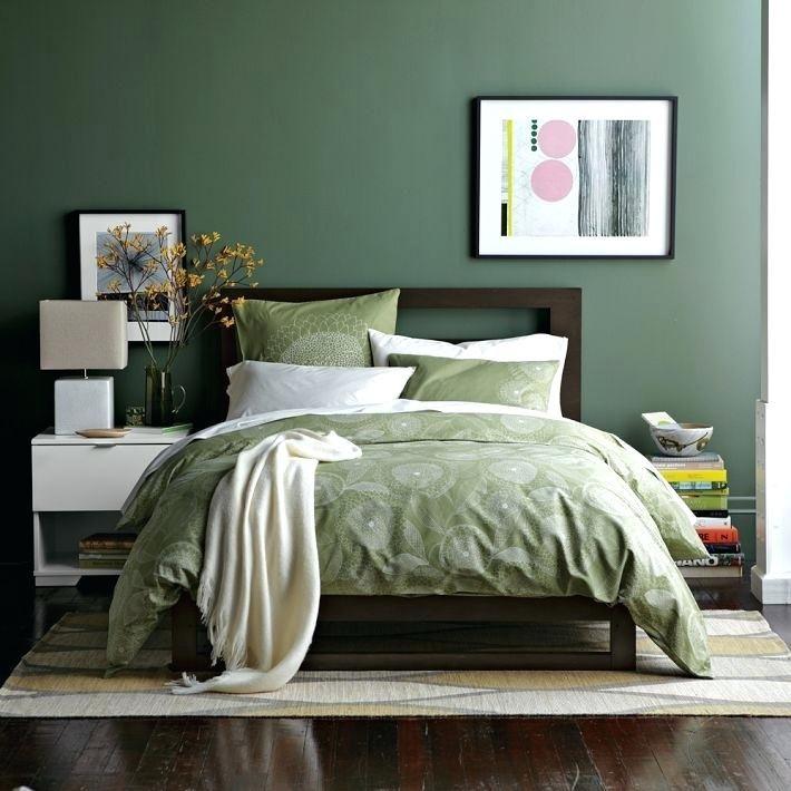 Green Walls Bedroom Earthy Bedroom In Green Green Bedroom Walls Decorating Ideas Green Bedroom Walls Green Bedroom Design Bedroom Interior