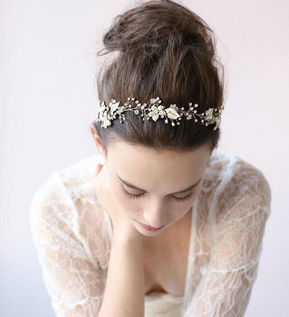 Gorgeous Rhinestones Crystals Bridal Crowns Tiara Wedding Hair Accessories High Quanlity Fascinators Royal Style Headband Bride Tiara Crown Bridal Hair Flowers Uk Bridal Hair Pictures From Lovemydress, $32.47| Dhgate.Com