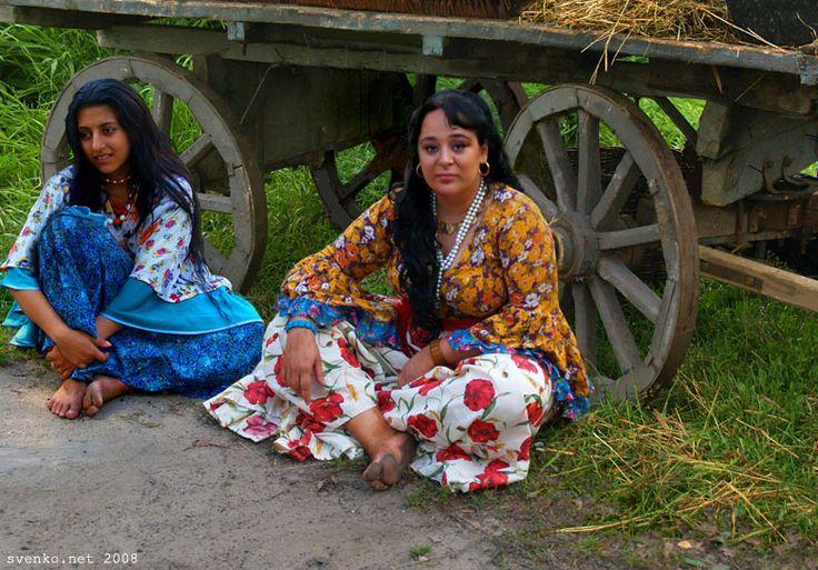nude russian gypsy girls
