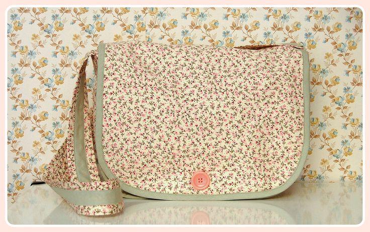 Koumpaki Vintage Floral Messenger Bag*