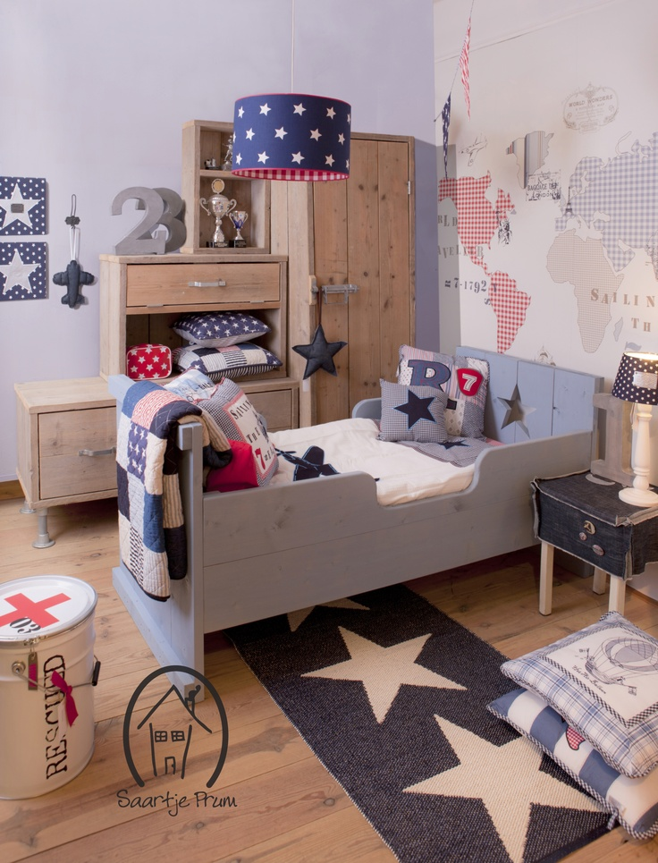 Love the colours and the stars for kids room! De kamer Nova Zembla van Saartje Prum
