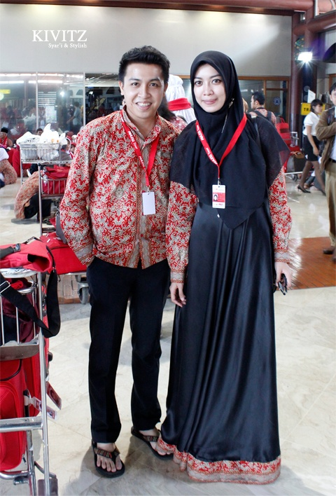 Love the combination of velvet and batik. Very inspiring.     Fitri Aulia from kivitz.blogspot.com