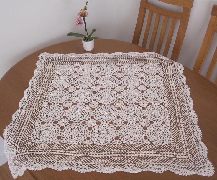 Very Large Vintage Hand Crochet White TABLE CENTRE Piece 'Raised Rosettes'