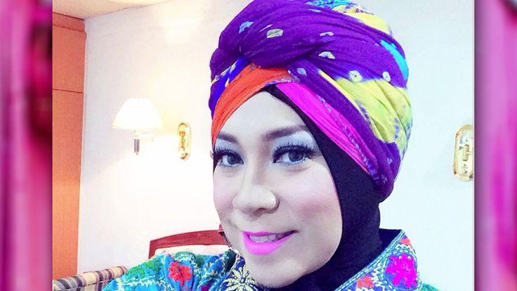 Berawal Dari Penyanyi Gereja, Sekarang Melly Goeslaw Mantap Istiqomah Dalam Islam