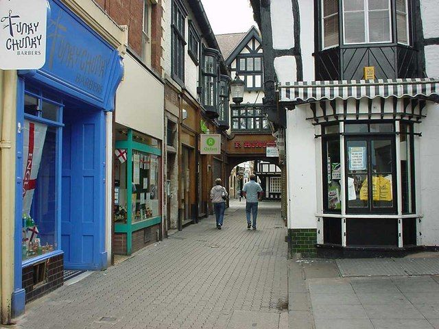 F Hinds Building and Pedestrian Area, Evesham by Rob Newman, via Geograph