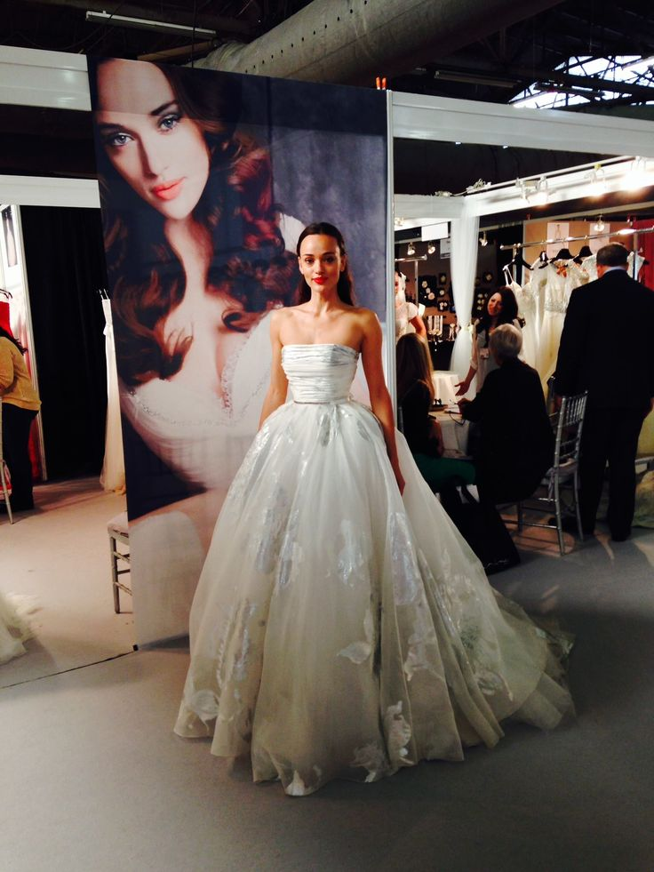 Our beautiful model, Nelli on the last day of the trade show.