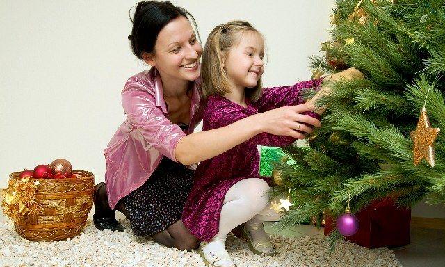 Káprázatos karácsonyfa díszítési ötletek | Pink Domina