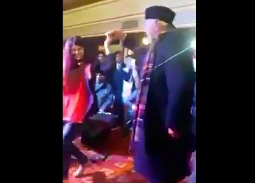 #Jammu #Kashmir | VIDEO Farooq Abdullah couple dance on 'Baar Baar' Dekho is a must watch. Watch here - http://u4uvoice.com/?p=248774