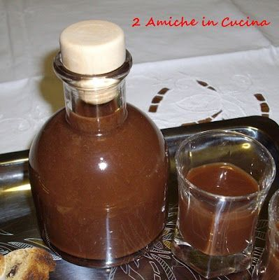 Liquore al cioccolato fondente